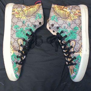 Gucci shoes sz 10